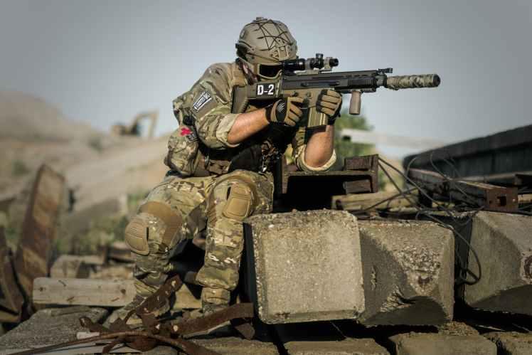 war-desert-guns-gunshow-163443.jpeg